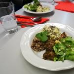 Wilde Bowl mit Distlwurzel-Esskastanien-Gemüse